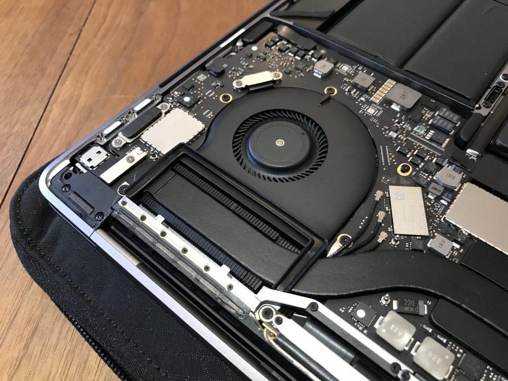 MacBook Proのファン回り